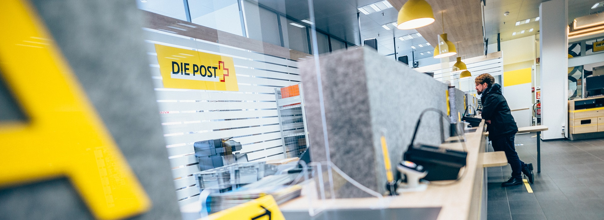Innenansicht der Post im Emmen Center